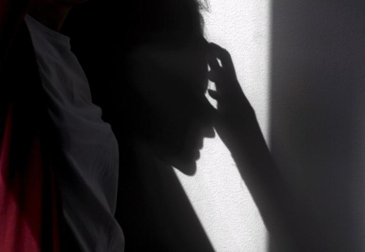 Koronasta pahiten kärsineet ja tiukkoja rajoituksia määränneet maat kärsivät myös pahiten mielenterveysongelmista, kertoo tuore tutkimus.  LEHTIKUVA / VESA MOILANEN