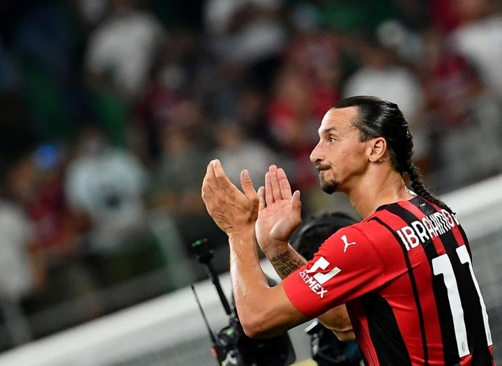 Zlatan on loukkaantumisista huolimatta pystynyt hämmentäviin taidonnäytteisiin AC Milanissa. Lehtikuva/AFP