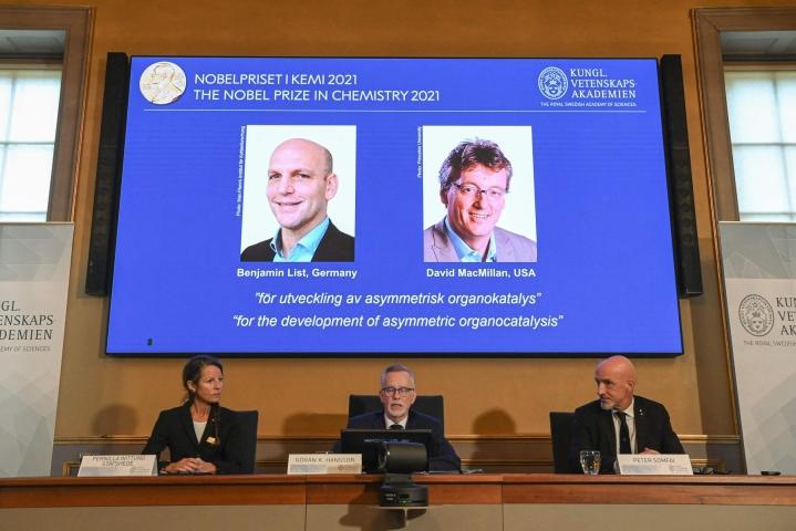 Kemian Nobel-palkinnon saajat julkistettiin Tukholmassa iltapäivällä.  LEHTIKUVA / AFP