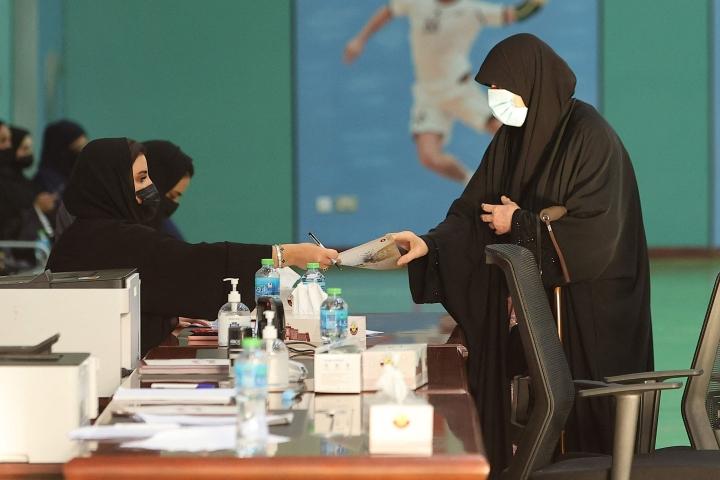 Qatarissa pitkälti symbolisina pidetyissä vaaleissa lauantaina yksikään naisehdokas ei tullut valituksi maan edustusneuvostoon. Ehdokkaina oli 28 naista.