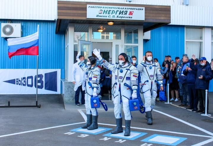 Kosmonautti, näyttelijä ja ohjaaja matkustavat Sojuz-avaruusaluksella kansainväliselle ISS-avaruusasemalle 12 päiväksi. LEHTIKUVA/AFP