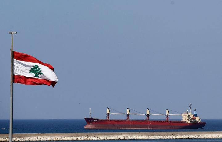 Sähköverkon tilanteen parantamiseksi Libanon on päässyt sopimukseen jordanialaisen sähkön ja egyptiläisen maakaasun tuomisesta maahan. Libanon tuo maahan myös irakilaista öljyä. LEHTIKUVA / AFP