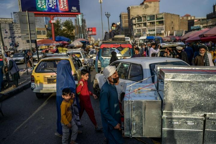 Yhdysvallat ja Britannia kehottavat kansalaisiaan pysymään poissa Afganistanin pääkaupungin Kabulin hotelleista. Kuva Kabulista on syyskuulta. LEHTIKUVA / AFP