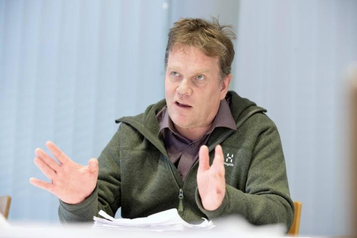 Keskustan entinen puoluesihteeri Jarmo Korhonen toimii nykyään konsulttina.
