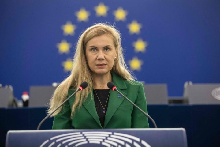 Energiakomissaari Kadri Simson on kertonut, että keinoilla on tarkoitus tukea erityisesti kaikkein heikoimmassa asemassa olevia. LEHTIKUVA/AFP