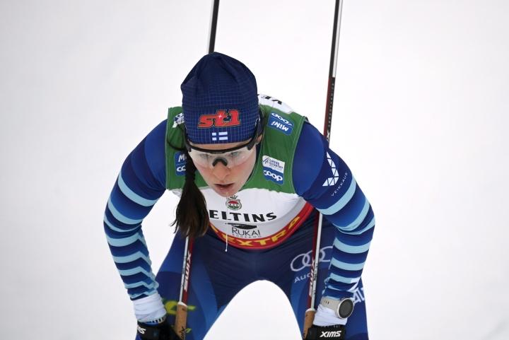 Ensi vuoden maaliskuussa Ruotsin Falunissa kisataan 4x5 kilometrin viesti, jossa joukkueeseen kuuluu kaksi miestä ja kaksi naista. LEHTIKUVA / EMMI KORHONEN