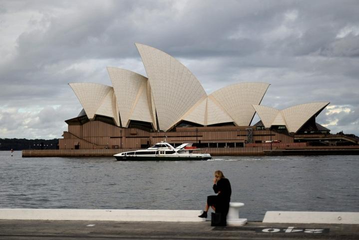 Australian suurin kaupunki Sydney valmistautuu niin kutsuttuun vapauden päivään, kun viranomaiset ilmoittivat Sydneyn koronasulun päättyvän maanantaina. LEHTIKUVA/AFP