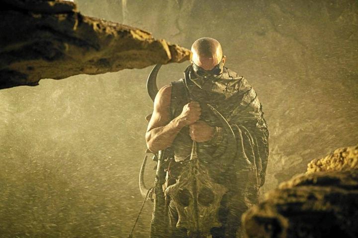 Riddick - paluu: Vin Diesel. Hero klo 21.00.