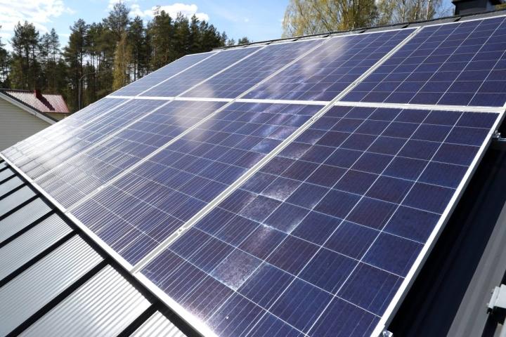 Joensuun kaupungin aurinkovoimalat rajoittuvat toistaiseksi vajaaseen kymmeneen päiväkoti- ja koulukiinteistöön.