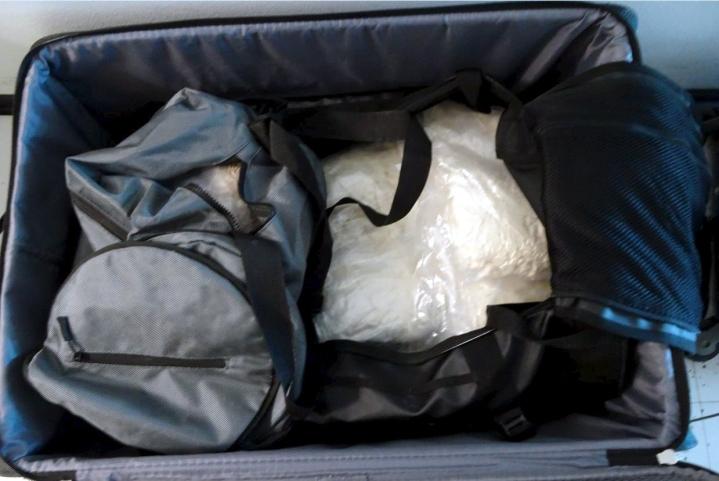 Rikollisryhmän epäillään tuoneen Suomeen huumausaineita runsaan kuuden miljoonan euron arvosta. LEHTIKUVA / handout / Poliisi