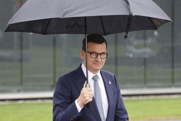 Pääministeri Mateusz Morawiecki sanoo Puolan haluavan jäädä Euroopan Unioniin. LEHTIKUVA/AFP