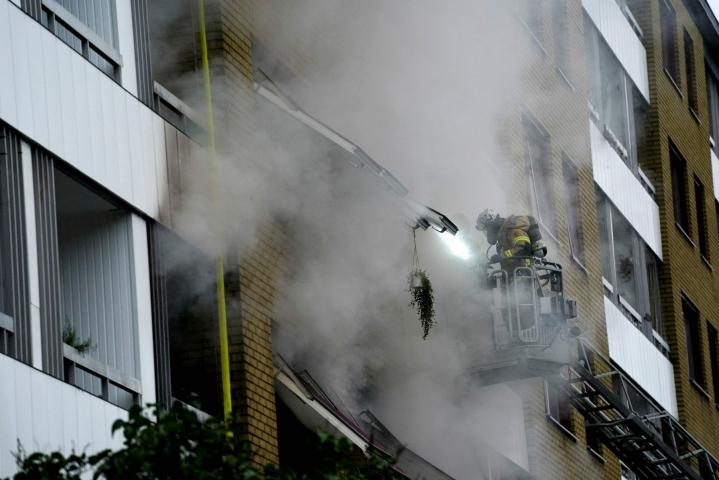 Göteborgissa tapahtunut räjähdys aiheutti suurta tuhoa. Kuusitoista ihmistä loukkaantui. LEHTIKUVA/AFP