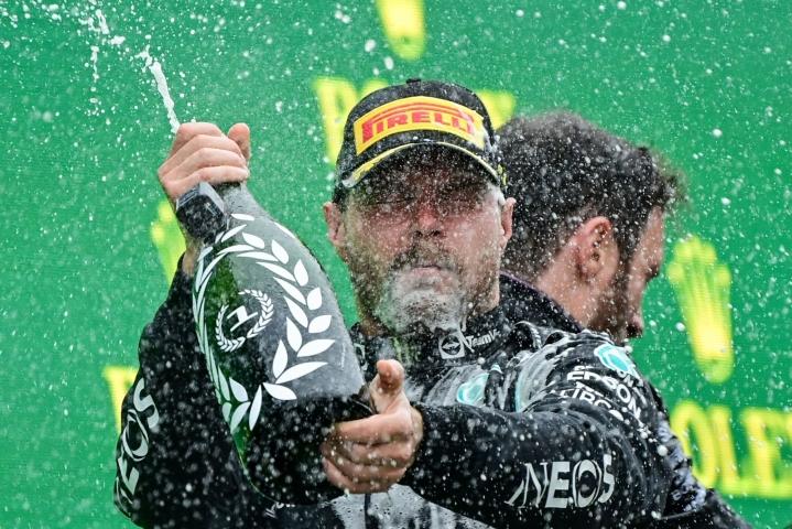 Mercedes-tallin päällikkö Toto Wolff oli yksi ihastelijoista, kun Valtteri Bottas (kuvassa) ajoi kauden ensimmäisen gp-voiton viime sunnuntaina Turkissa. LEHTIKUVA/AFP