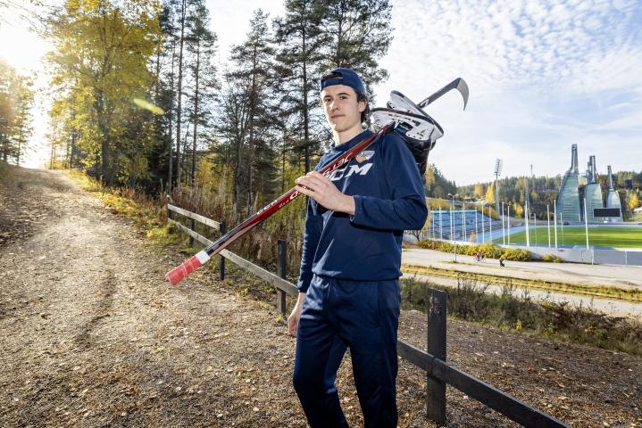Thomas Galimberti, 17, on kotimaassaan Italiassa maajoukkuetason lupaus. Suomeen muuton myötä vaatimustaso hänen jääkiekkoarjessaan nousi aivan uudelle tasolle, mutta Galimberti on pysynyt kyydissä hyvin.