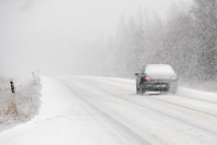 Maakunnassa aurattiin lunta teiltä pois keskiviikon lumipyryssä - Joensuussa sitä ei katsottu tarpeelliseksi