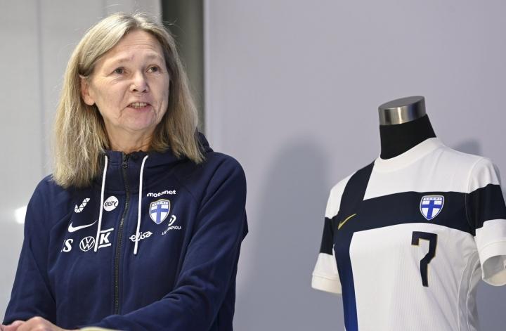 Helmarien päävalmentaja Anna Signeul julkaisi keskiviikkona joukkueensa tuleviin MM-karsintaotteluihin. LEHTIKUVA / Heikki Saukkomaa