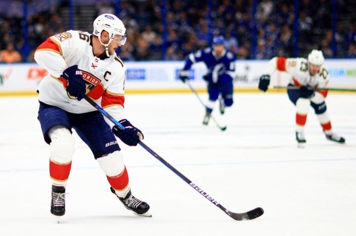 The Athletic -sivuston tunnettu NHL-toimittaja Pierre LeBrun arvioi sivustolla arvokkaimmat sopimuksensa loppua lähestyvät pelaajat, ja joukossa on myös Aleksander Barkov (kuvassa). LEHTIKUVA/AFP