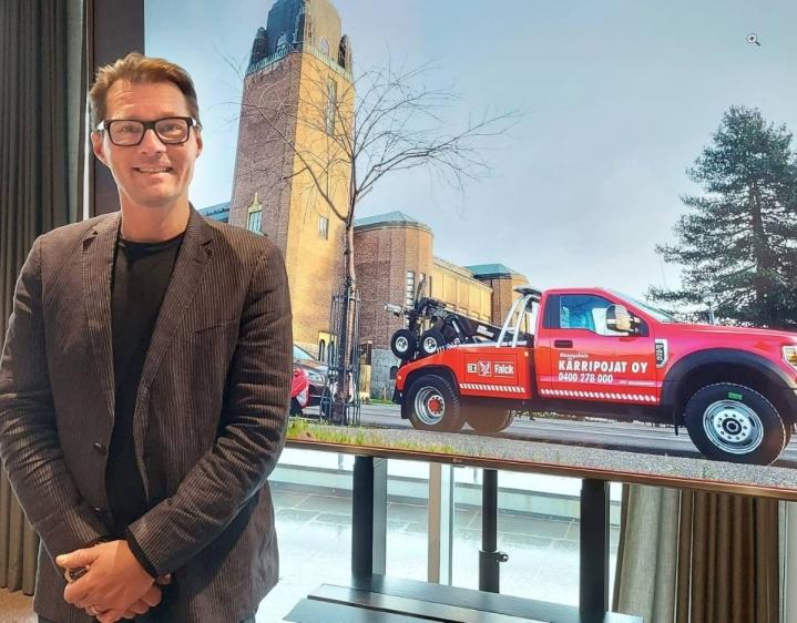 Yrittäjä Tero Koponen oli torstaina työmatkalla Helsingissä. Hän täyttää 50 vuotta perjantaina.