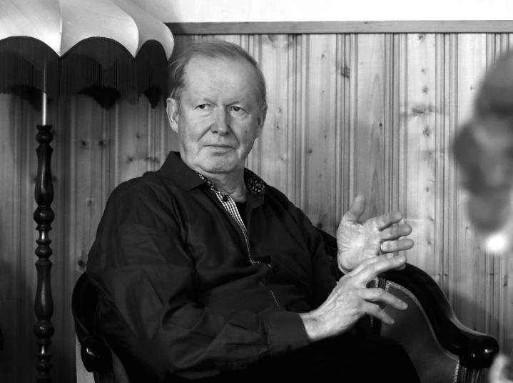 Matti Puhakka toimi työurallaan muun muassa Pohjois-Karjalan maakuntajohtajana vuosina 1993-95.