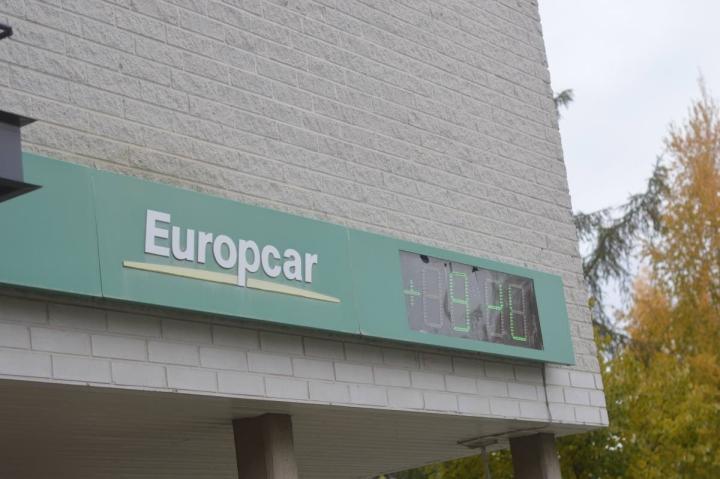 Kesä on Europcarin Joensuun toimipisteessäkin sesonkia yksityisautoilussa. Liikematkailu ei ole vielä entisellä tasollaan.