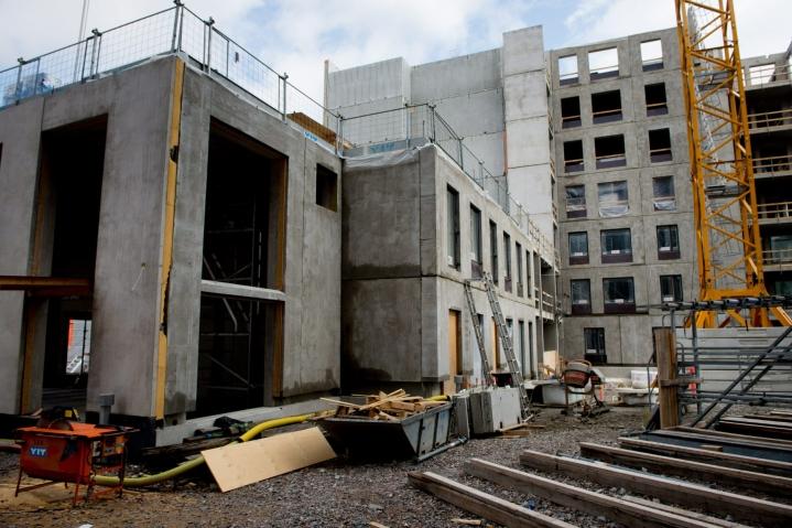 Rakennusteollisuuden mukaan vauhdittajana on asuntotuotanto, joka on noussut jälleen ennätystasolle. LEHTIKUVA / Mikko Stig