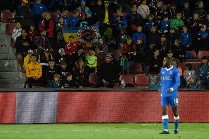 Glen Kamara illan ottelussa. LEHTIKUVA / AFP