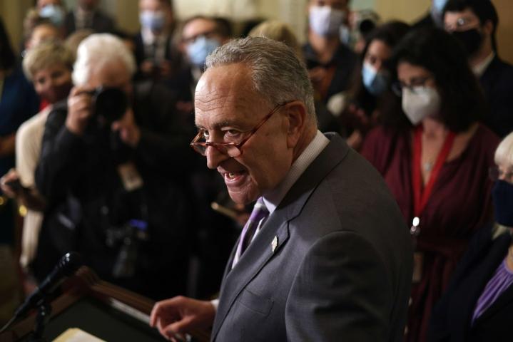 Sovusta kertoo senaatin enemmistöjohtaja, demokraattien Chuck Schumer. LEHTIKUVA/AFP