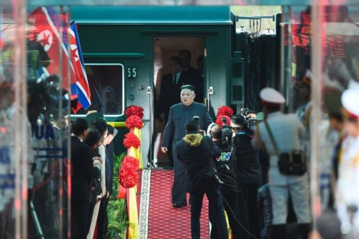 Pohjois-Korean johtaja Kim Jong-un saapui Vietnamiin pitkän junamatkan jälkeen.  LEHTIKUVA/AFP