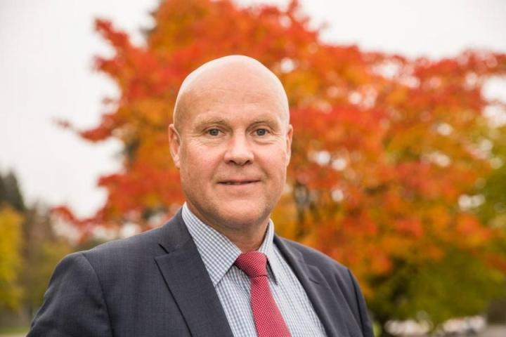STTK:n puheenjohtaja Antti Palola sanoo, että Finunionsin toimintojen järjestelyitä Brysselissä on mietittävä nyt SAK:n kanssa, kun kolmannes toimiston rahoituksesta lähtee Akavan mukana.