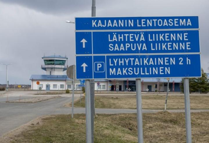Kajaanin reitti on yksi viidestä lentoreitistä, jonka jatkamista valtio tukee Finnairin vetäytyessä. Lehtikuva / Kimmo Rauatmaa