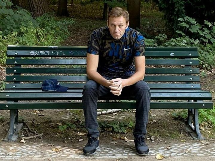 Venäjää vastaan on esitetty asetettavaksi pakotteita, jos se ei tee yhteistyötä oppositiopoliitikko Aleksei Navalnyin (kuvassa) myrkytyksen tutkinnassa. Kuva on julkaistu alun perin Navalnyin Instagram-tilillä. LEHTIKUVA / AFP