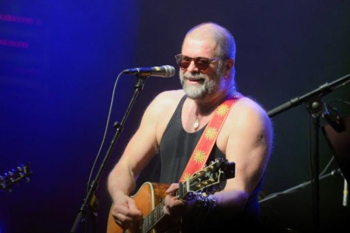 Boris Grebenshtshikov viimeisimmässä Suomen-konsertissaan Helsingin Circuksessa vuonna 2015. Pohjoiskarjalaiset saattavat muistaa BG:n esiintymisen Joensuun Laulujuhlillla 1990.