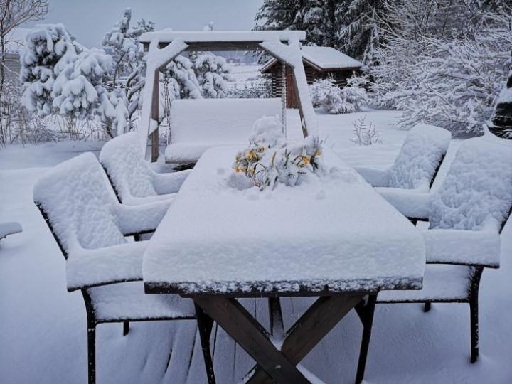 Juuassa lunta on Ilmatieteen laitoksen mukaan jo 15 senttiä. Lukijan kuva: Heikki Turunen