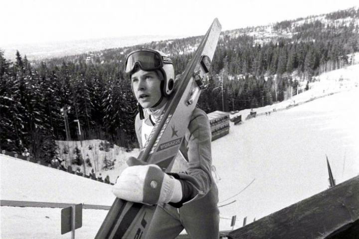 Kuva Matti Nykäsestä Oslon Holmenkollenin kisoista vuodelta 1981.