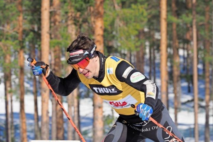 Jämin Jännettä edustava Ristomatti Hakola hiihti kolmanneksi vapaan kympillä.