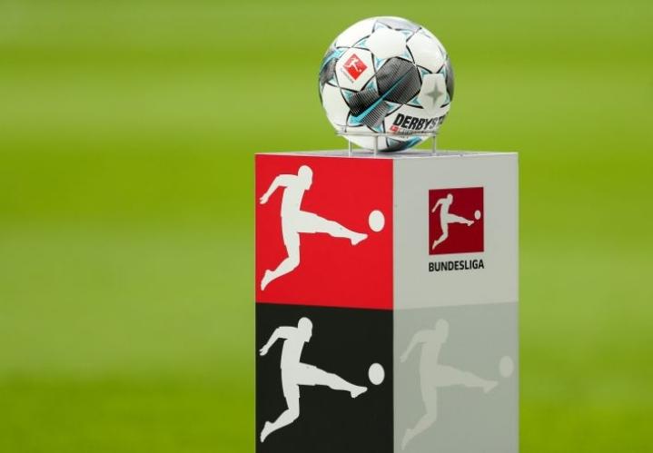 Saksan Bundesliiga otti maanosan suursarjoista ensimmäisenä askeleen kohti paluuta julistaessaan pelien jatkuvan ensi viikonloppuna. LEHTIKUVA/AFP