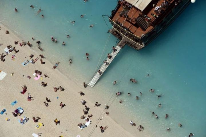 Zakynthoksen saari on tunnettu kauniista hiekkarannoistaan. LEHTIKUVA/AFP