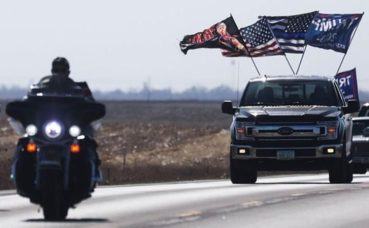 Yhdysvalloissa vaalikamppailu on kiertynyt loppusuoralle. Presidentti Donald Trumpilla oli sunnuntaina tilaisuudet peräti viidessä osavaltiossa, Joe Biden kampanjoi Pennsylvaniassa. LEHTIKUVA/AFP