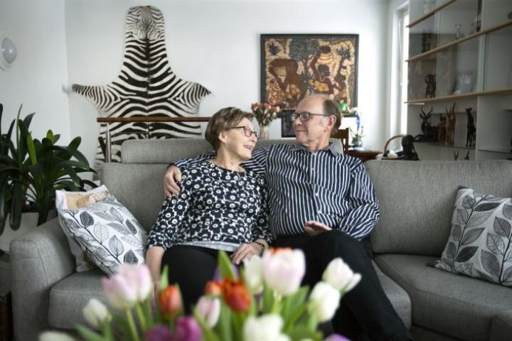 Marja-Leena ja Risto Nieminen ylläpitävät rakkautta arjessa hellillä sanoilla ja kosketuksilla. Yksi pilari pitkään avioliittoon on Niemisten mukaan kyky pyytää ja antaa anteeksi.