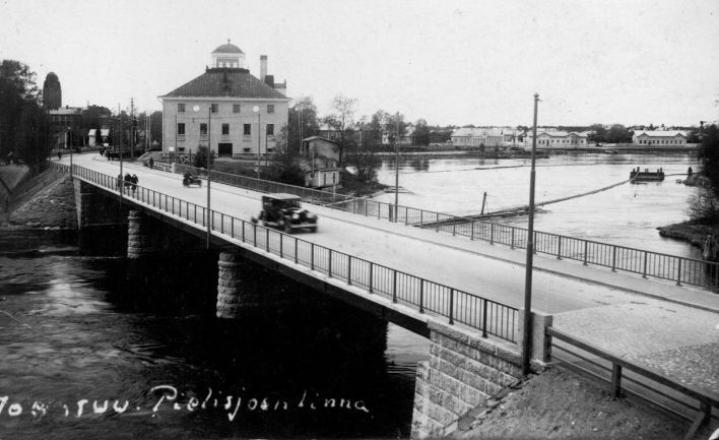 Pielisjoen linna kuvattuna 1930-luvulla.