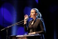 Maailmalle tarjolla toivon musiikkia - 25-vuotisjuhlavuoden gospelfestivaali soi suunniteltua riisutumpana