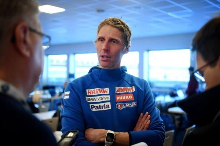 Jonne Kähkösen valmentama Suomen maajoukkue jäi heikkoihin tuloksiin MM-kisoissa.