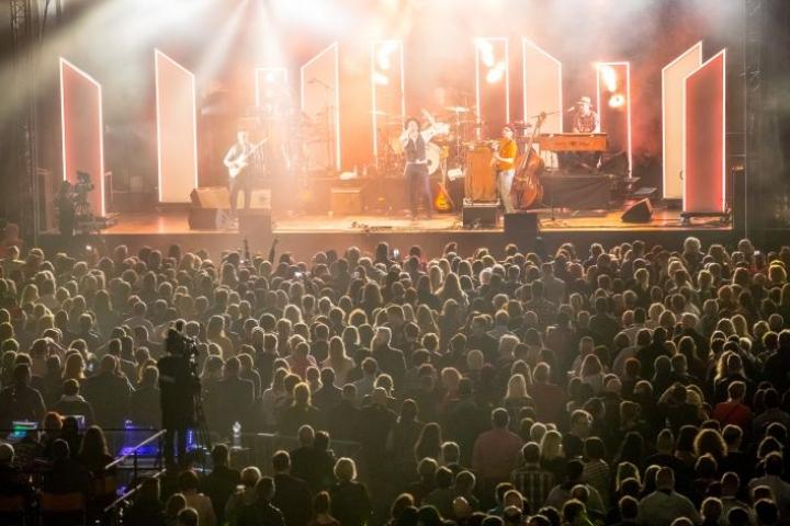 Joensuun areena muuntautuu marraskuun lopussa klassisen musiikin näyttämöksi. Viime joulun alla Areenassa esiintyi Tuure Kilpeläinen.