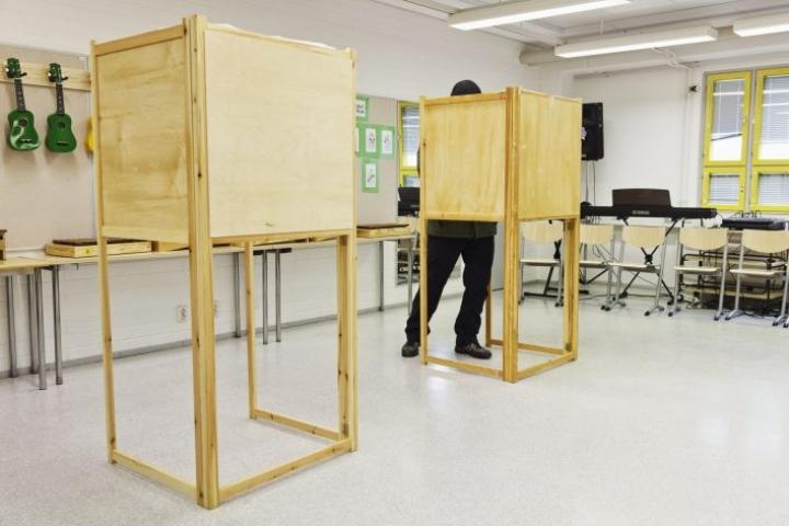 Kysely kuntavaalien mahdollisesta siirtämisestä tehtiin ajalla 15.–22. helmikuuta, ja siihen vastasi hieman yli 3000 henkilöä. LEHTIKUVA / RONI REKOMAA
