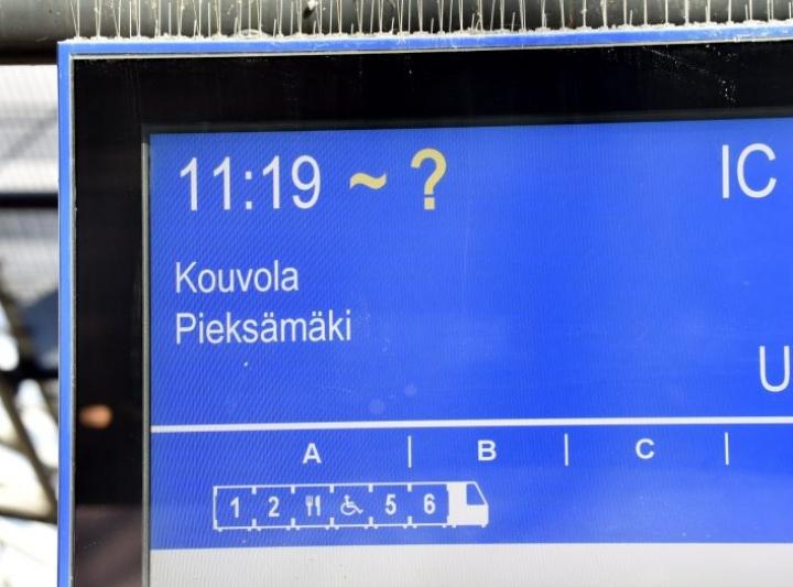 Helsingin ja erityisesti päärautatieaseman liikennehäiriöt heijastuvat yleensä nopeasti myös muun Suomen junaliikenteeseen. LEHTIKUVA / JUSSI NUKARI