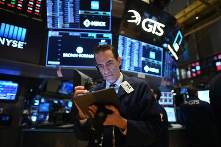 Yhdysvalloissa ennätyksellisen synkeä pörssiviikko päättyi laskutunnelmissa.