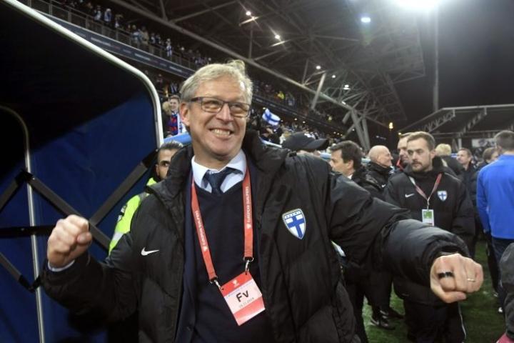 Päävalmentaja Markku Kanervan mukaan hyvin sujuneet karsinnat halutaan päättää kunnialla. LEHTIKUVA / Markku Ulander
