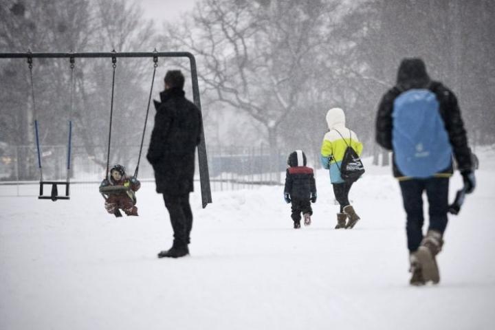 Työ- ja elinkeinoministeriön virkamiehet esittävät muun muassa, että perhevapaauudistus toteutetaan. LEHTIKUVA / AKU HÄYRYNEN