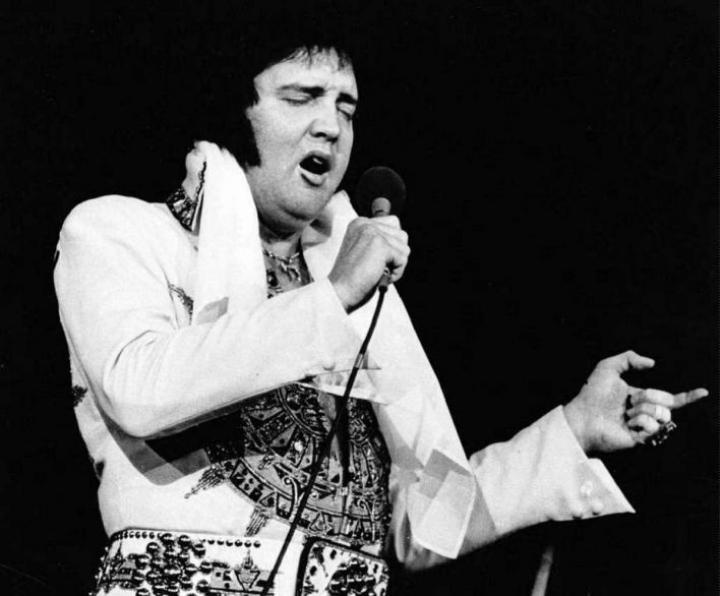 Elvis Presley Yhdysvaltain Rhode Islandin keikalla vuonna 1977.