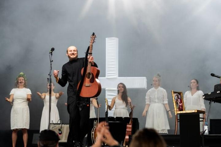 Putro esiintyi tämän vuoden Ilosaarirockissa.